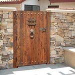 Gardul si poarta, primele lucruri care atrag atentia la o casa